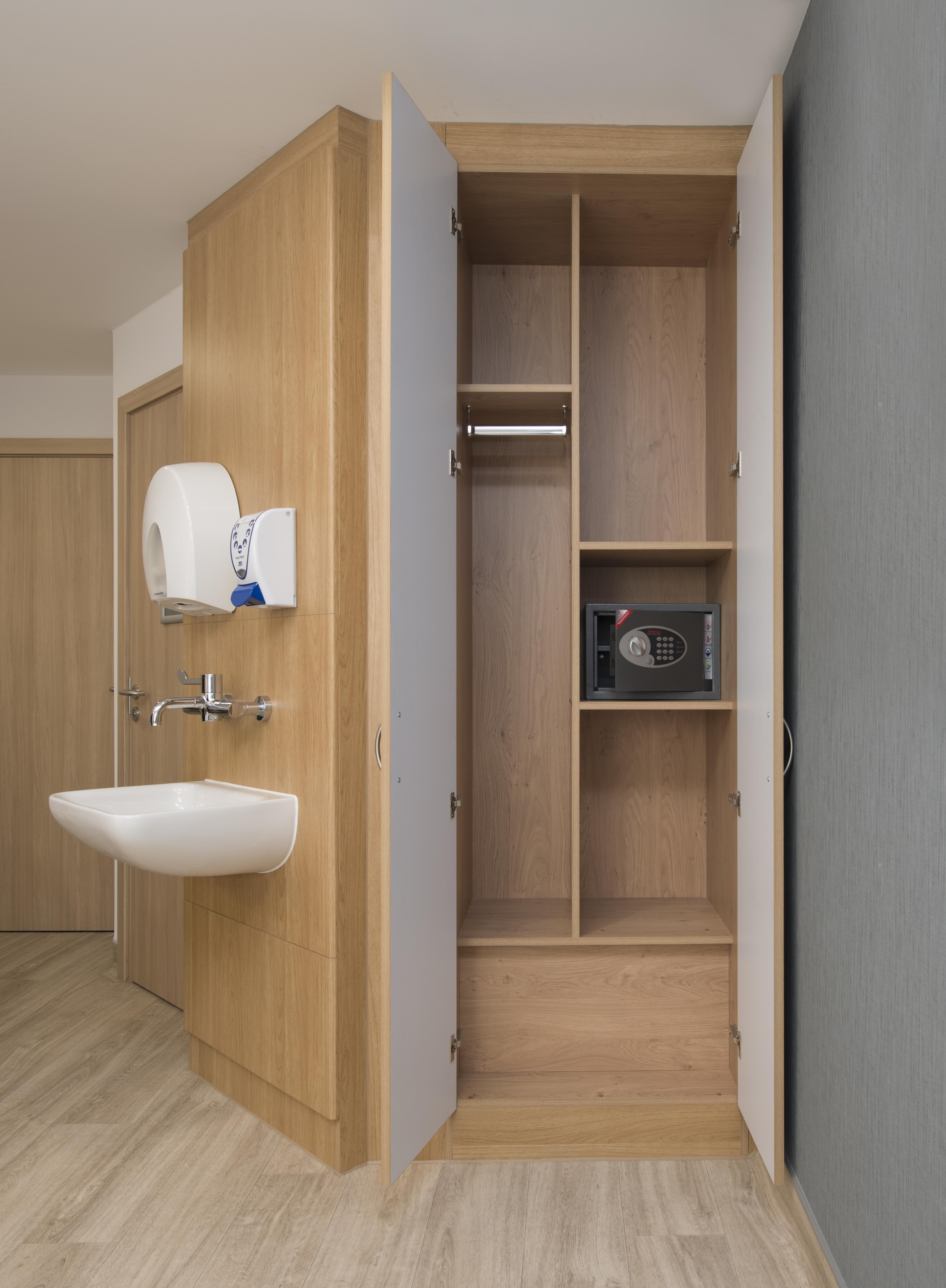 LiP Medical Furniture 3