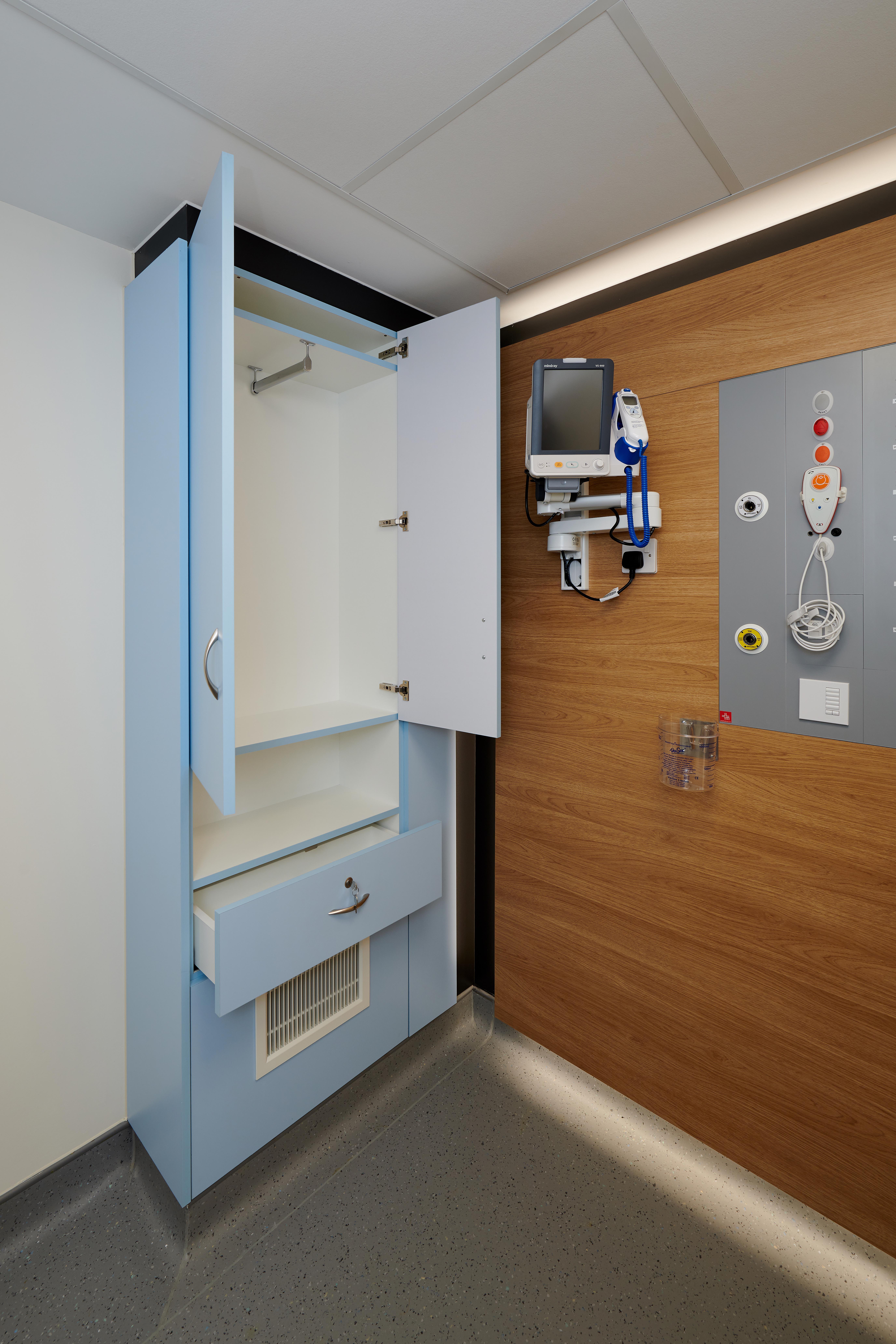 LiP Medical Furniture 4